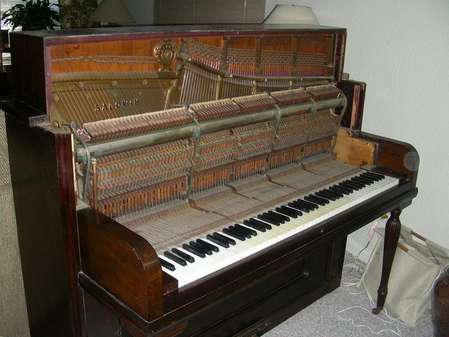 Piano opened up